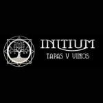 Initium, tapas y vinos